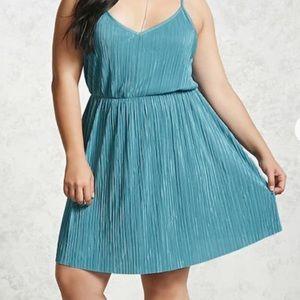 Cute dress!! 🦋